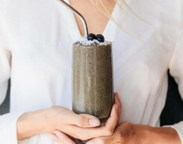 Low_Carb_Blueberry_Smoothie_ChangingHabits762x600